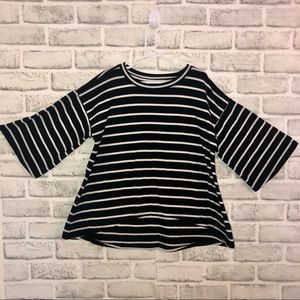 Old Navy Girls Bell Sleeve Black and White Size 8M